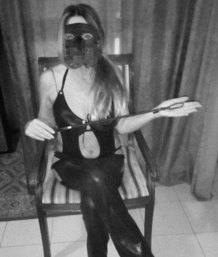 Mistress Ambra Domina Lucca